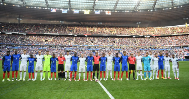 Watch: Stade de France sings 'Don't Look Back in Anger' to honour terror victims