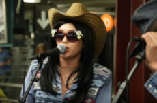 Miley Cyrus and Jimmy Fallon busked in disguise at a subway station to surprise commuters