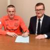 Sunderland's Jordan Pickford signs £25m deal with Everton