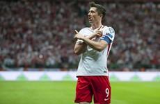 Chelsea's Robert Lewandowski chase ignites subdued transfer window