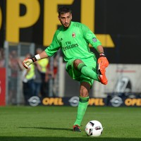 No threat of Donnarumma doing a runner as U-turn sees him sign new Milan deal