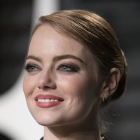 Emma Stone revealed that her male co-stars willingly took pay cuts for gender equality