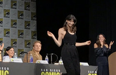 Irish actress Caitriona Balfe did a full on jig in front of a massive crowd at Comic Con