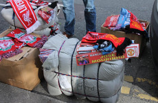 Gardaí seize €25k worth of counterfeit hats and scarves at Man United match in Dublin