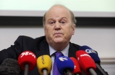 Noonan considering 'outside expertise' in quest to cut bankers' wages