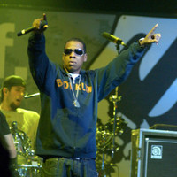 Jay-Z paid a lovely tribute to Chester Bennington at V Festival last night