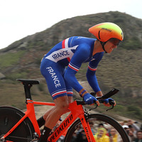 Froome extends Vuelta lead, Ireland's Roche remains third