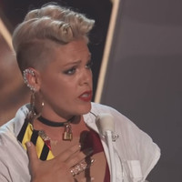 Here's why everyone is talking about Pink's inspiring speech to her daughter at last night's VMAs
