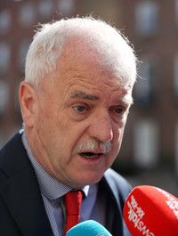 Simon Harris was 'very disappointed and frustrated' at Finian McGrath's vaccine comments