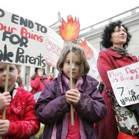 GALLERY: Single parents protest at 'discriminatory' Budget cuts