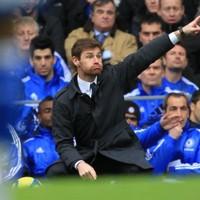 Chelsea boss denies reports that Drogba gave half-time team talk