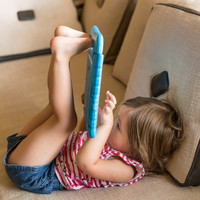 12 solid reasons to ditch the guilt and let your toddler play with your iPad