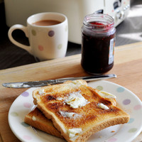 People who skip breakfast are more likely to be overweight and develop heart disease