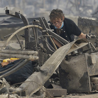 'Everything, everything is gone': 10 dead and thousands evacuated in California wildfires