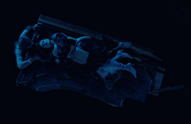 Was Rose actually lying on a door in Titanic? An investigation