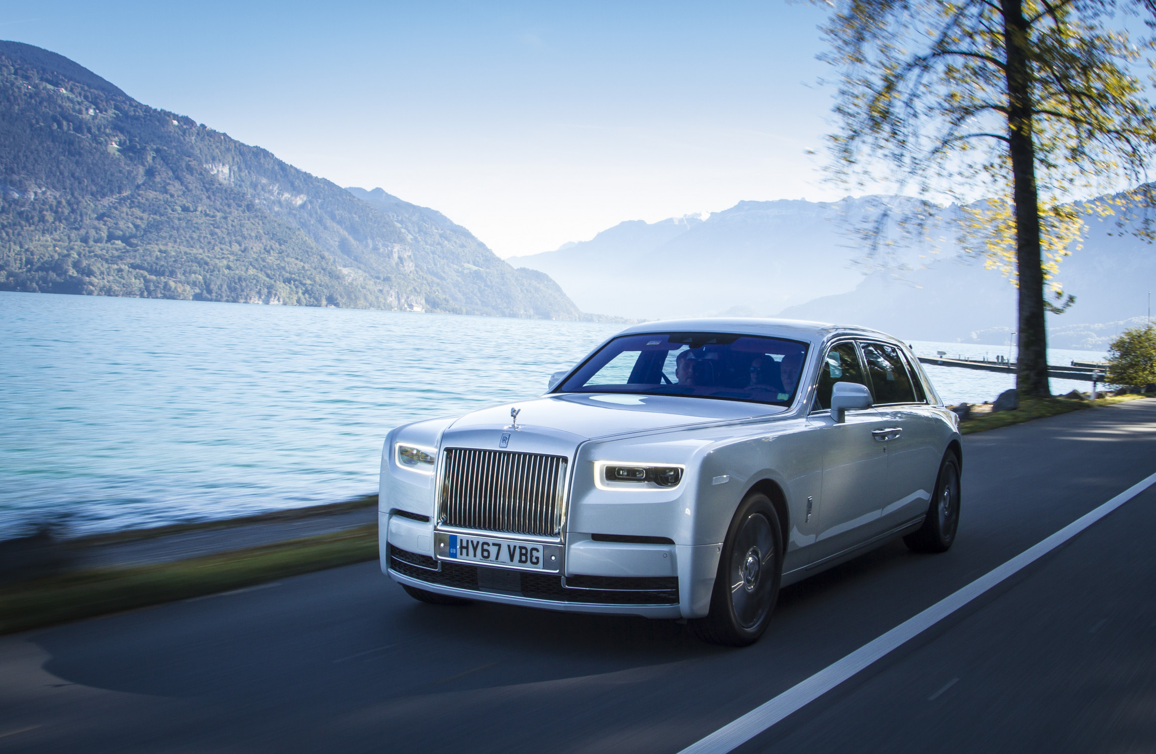 9 Obsessive Details In The New Rolls Royce Phantom Thejournal Ie