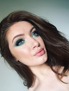 What's in my makeup bag? Aisling Hickey