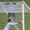 Glaring error in judgement by teen goalkeeper gifts United victory in Lisbon