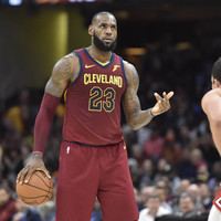 LeBron James thrives at point guard in win over Bulls