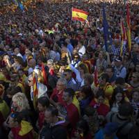 'Viva Espana': Pro-Spain protesters swarm Barcelona streets as Real Madrid head for rebel heartland