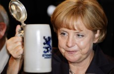 Video: Waiter spills five beers over Angela Merkel
