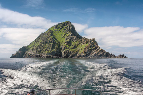 Sailing away from Skellig Michael