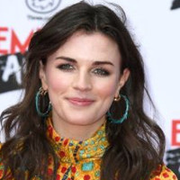 'I idolised him': Aisling Bea writes powerful article about her father's suicide