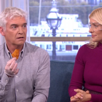 Phillip Schofield ate the 'world's hottest crisp' and his reactions were priceless