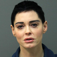 Actress Rose McGowan claims drugs planted in her luggage, surrenders to arrest warrant