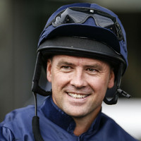 Michael Owen finishes second on horse racing debut