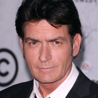 Charlie Sheen pokes fun at house arrest in Fiat ad