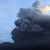 Disruptions to international flights after Bali volcano erupts for second time this week