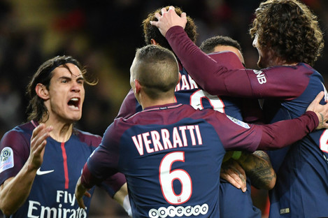 PSG players celebrate.