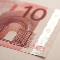 Banks are getting a bit better at dispensing €10 notes from ATMs