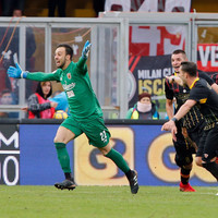 Goalkeeper scores 95th minute equaliser to give Benevento first ever point in Serie A