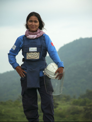 Meet the 23-year-old woman clearing mines from a war she doesn't remember