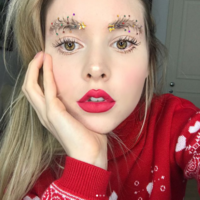 We dare you to wear these 'Christmas tree brows' to your work Christmas party