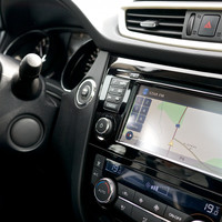Choosing between infotainment systems? We asked an expert what to look for