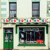 11 striking photos of beautiful old-style shopfronts around Ireland