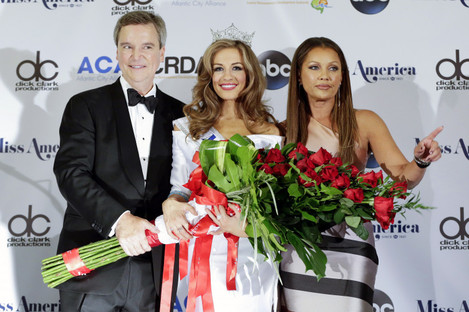 Former Miss America CEO Sam Haskell with the 2016 Miss America Betty Cantrell and a former Miss America, Vanessa Williams.