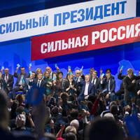 Russia election: Kremlin questions legality of boycott call