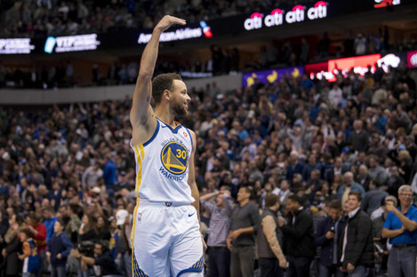 Steph Curry scored 29 points last night.