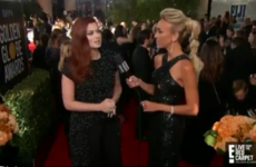 Debra Messing just called out E! for Catt Sadler's pay dispute, while being interviewed on the E! red carpet