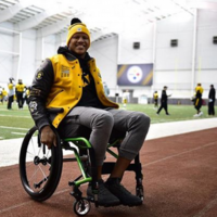 Ryan Shazier 'working harder than ever' as he visits first training session since horror injury