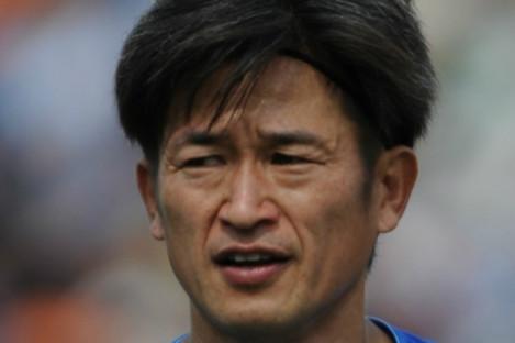 Kazuyoshi Miura, who will turn 51 next month, renewed his contract with Yokohama FC on Thursday.
