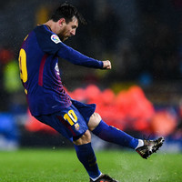 Messi breaks Muller's record with his 366th league goal for Barcelona