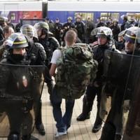Police break blockade at oil depot near Paris