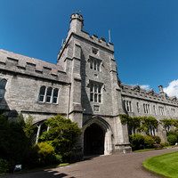 Seven asylum seekers and refugees will receive scholarships to study at UCC