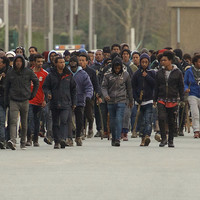 4 people in critical condition after being shot during clashes between migrants in Calais