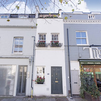 Pictures: This tiny 7ft 7in wide house in London has just gone up for sale for €1.1 million